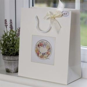 Miniature Wreath bag shot original
