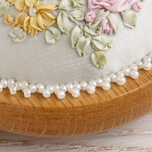 PP09-Victorian-Roses-and-Wisteria-cropped-2 bead detail