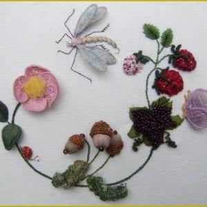 Dragonfly wreath 1000