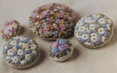 Embroidered Country Gardens – Button taster pack